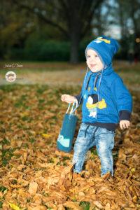 Der Herbstjunge auf KnitKnit von Albstoffe