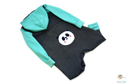 Warm eingepackt im Panda Overall