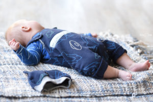 Ein Cuddle My Mattis Set für den Babyjungen